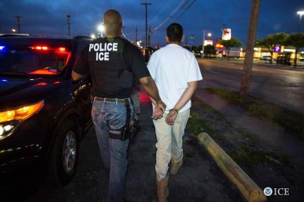 Crónica: Inmigración ejecuta 'Operación Promesa Rota'