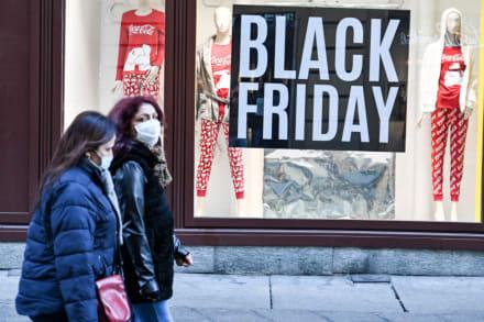 ¿A qué hora abren las tiendas en el Black Friday?