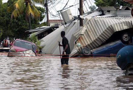 Tras huracanes, Honduras dice que puede haber migración masiva hacia EE.UU.