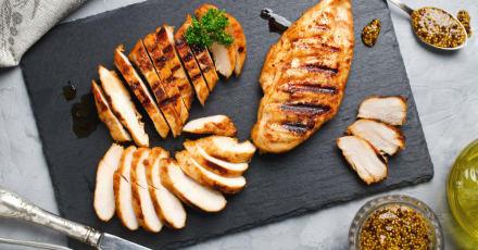 Singapur aprueba productos de pollos cultivados en laboratorio