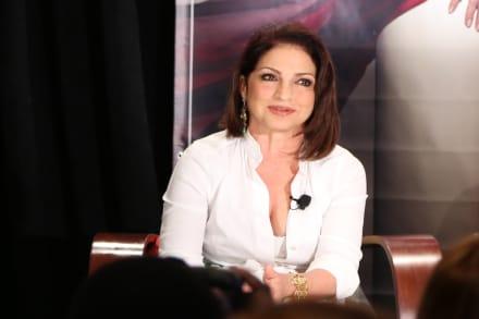 Gloria Estefan lamenta la muerte del jefe de Estefan Enterprises