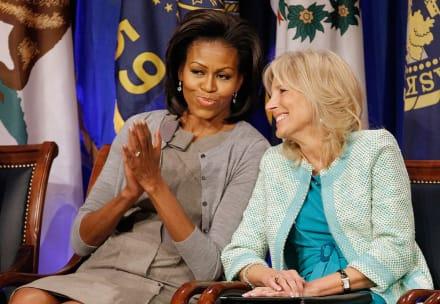 Tras ataques que recibió Jill Biden de un periodista por usar su título de Doctora, Michelle Obama la defiende