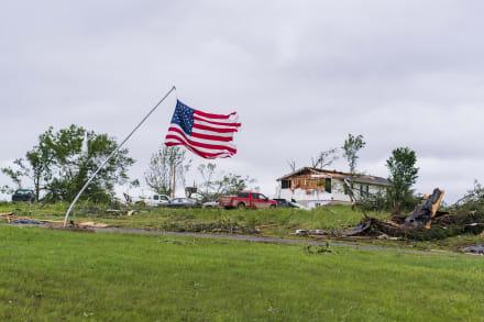 Aumenta a 30 el número de muertos por tornados en plena pandemia de coronavirus (FOTOS)