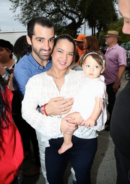 Descubren algo extraño en foto de la hija de Adamari López