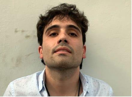 Ovidio Guzmán, hijo de 'El Chapo' tiene a todos vueltos 'locos' buscando su camisa (FOTOS)