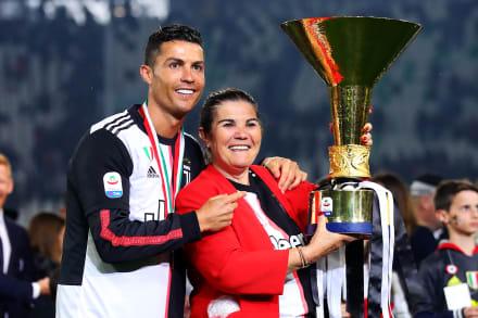 Mamá de Cristiano Ronaldo sufre accidente cerebrovascular, está hospitalizada, pero consciente y estable