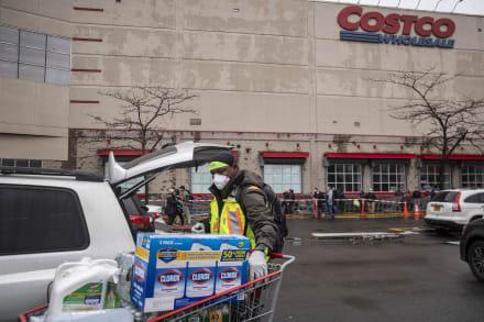 Costco no aceptará devoluciones de papel higiénico y Walmart compensará a empleados por coronavirus