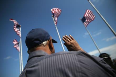 Demanda contra USCIS por no agilizar ciudadanía para que miles se inscriban para votar
