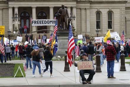 Milicia de Michigan pone las protestas armadas bajo el foco