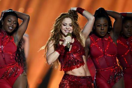 Tras lucirse en el halftime show del Súper Bowl, festejan a Shakira por su cumpleaños