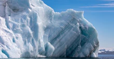 Científicos planean misión para detener choque de Iceberg gigante con una isla