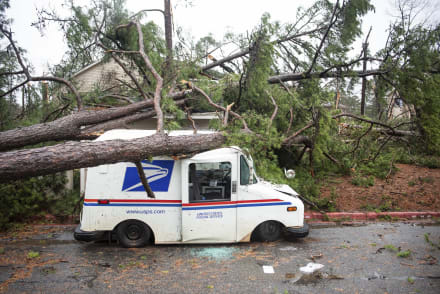 4 muertos en EEUU: Tormenta invernal deja inundaciones, aludes, fuertes vientos y avisos de tornados