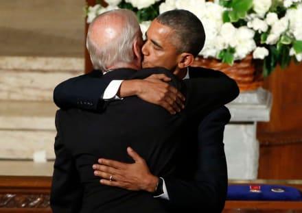 En plena Navidad resurgen las emotivas palabras de Obama en el funeral del hijo de Biden