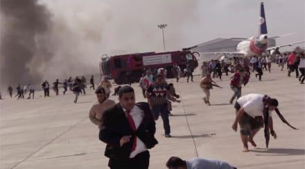 Explosión en aeropuerto de Yemen deja 22 muertos y 50 heridos, dicen funcionarios