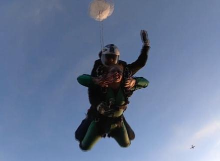 ¿TE ATREVERÍAS? Dos hispanos se encargan de ofrecer ADRENALINA PURA a más de 14 mil pies de altura