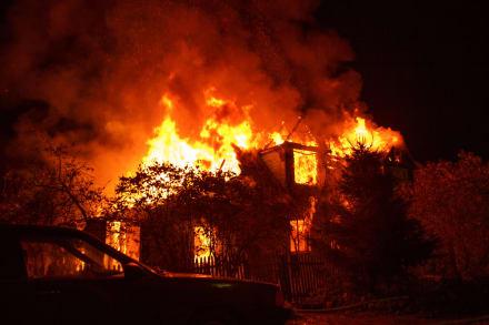¡Se le quemó la casa! Cantante Drizmali vive el peor inicio de 2021 con incendio provocado por fuegos artificiales