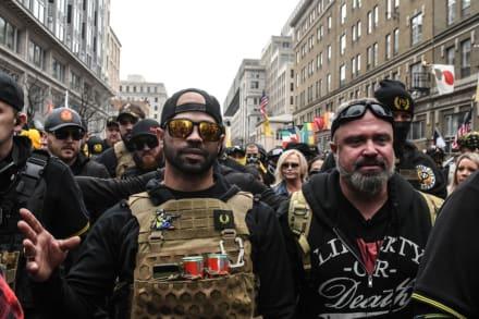 Arrestan en Washington al líder del grupo ultraderechista Proud Boys