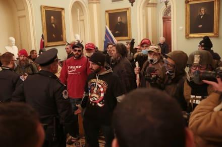 ÚLTIMA HORA: Evacúan el Capitolio y suspenden sesión para confirmar a Biden