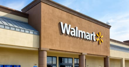 Hispano quiso estrangular a empleado de Walmart por mandato de mascarilla
