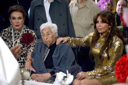Thalía está preocupada por las condiciones en las que encontraron a su abuela