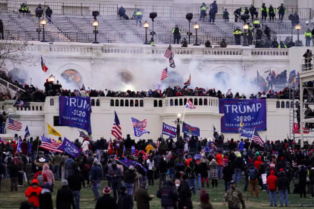 Latino fue arrestado por asalto a Capitolio cuando se dirigía a Inauguración de Biden (FOTO)
