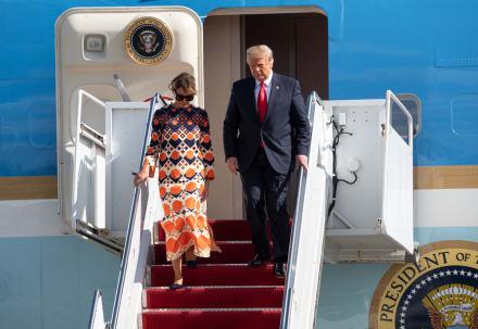 Aseguran que 'doble' de Melania Trump fue quien le hizo el desplante al expresidente en Florida