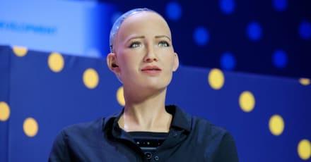 El robot social e inteligente Sophia estará a la venta a finales de este año