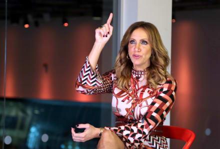 """""""Ya estás muy vieja"""": Critican a Lili Estefan por aparecer en mini falda"""