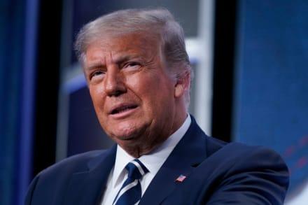 Trump transfirió dinero de su campaña a su negocio privado tras perder elección, según Forbes