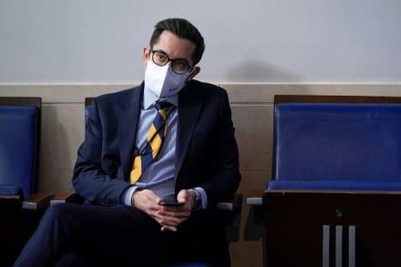 TJ Ducklo, subsecretario de prensa de Casa Blanca, renuncia por polémica