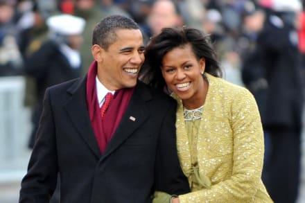 Mientras que Michelle y Barack Obama se dedican mensajes de amor por San Valentín, Melania hace lo mismo, pero no con Trump