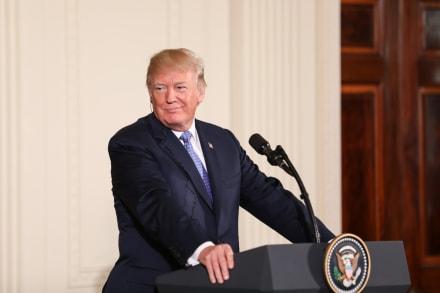 Donald Trump mantiene control del Partido Republicano y ahora hace pagar a oponentes