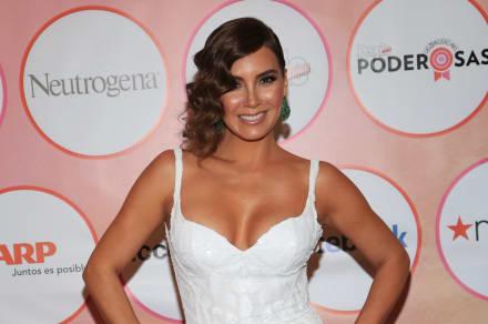 ¡Parece jovencita! A sus 41 años, Elizabeth Gutiérrez, esposa de William Levy, presume cuerpazo en bikini (FOTO)