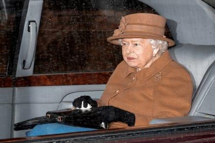 Confirman que esposo de la reina Isabel II tiene infección mientras condenan a pariente a la cárcel