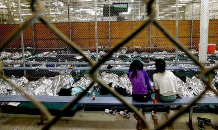 Localizan a más de un centenar de padres separados de hijos en frontera