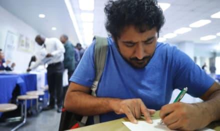 Nuevo plan de ayuda entregará $400 a la semana como beneficio por desempleo