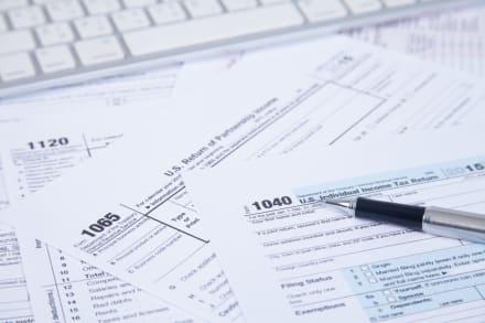 Crédito tributario del IRS podría dar hasta $17,800 a familia con tres hijos