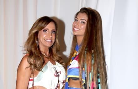 Las 10 fotos en bikini de Lili Estefan y su hija Lina que impactan con sus 'piernotas' (FOTOS)