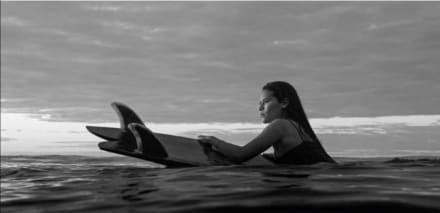 Muere surfista Katherine Díaz tras caerle rayo en un entrenamiento (FOTOS)