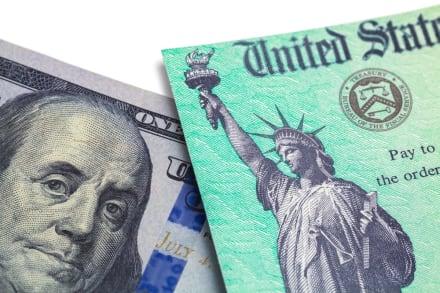 Cheque de estímulo económico te llegaría hoy, pero no a todos y te decimos porqué
