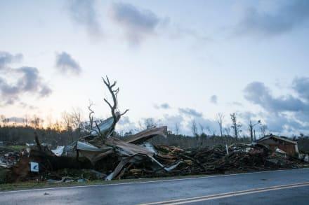 ¡Alerta para este jueves! Advierten sobre tornados y clima severo en sur de EE.UU.