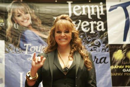 Resurge video en que Mhoni Vidente advierte a Jenni Rivera de su ¿muerte? (VIDEO)