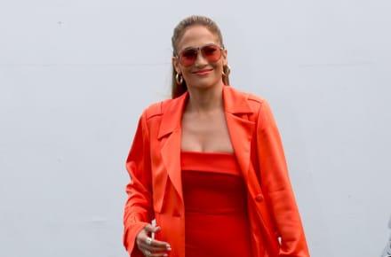 """""""Nadie es perfecto"""" fans revientan a Jennifer López por mostrar sus 'llantitas' (FOTOS)"""