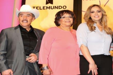 ¡Otra dinastía fracturada! Pastor Pedro Rivera Jr hace llorar a mamá de Jenni Rivera por lo que dijo de la familia (VIDEO)