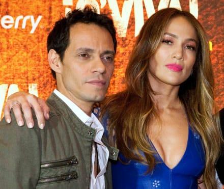 Tras ruptura con Álex Rodríguez, ahora Jennifer López 'se consuela' en los brazos de Marc Anthony (FOTO)