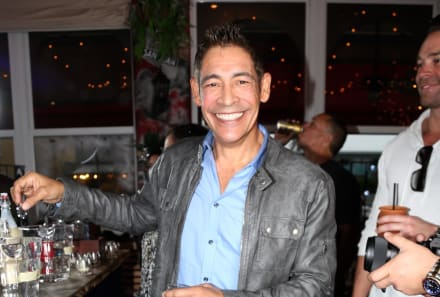 Johnny Lozada llora al recordar a Ray Reyes