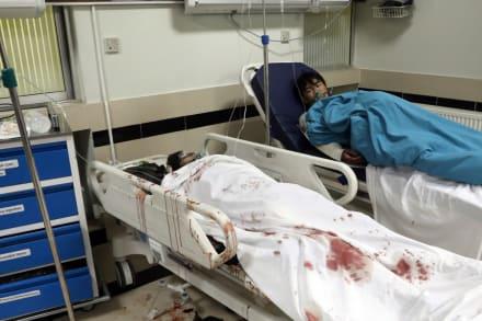 Bomba mata al menos 30 niñas en una escuela de Afganistán