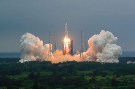 Restos del cohete chino se estrellaron en el Océano Índico (Videos)