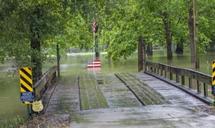 Millones de habitantes bajo advertencia de inundaciones debido a lluvias torrenciales en Texas