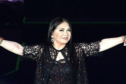 ¿Admite ser hija de Ana Gabriel? La Miss Universo Andrea Meza habla de sus padres biológicos (VIDEO)